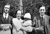 Londýn (1924): Otakar Vočadlo, Ludmila Vočadlová s Velenem a Karel Čapek.